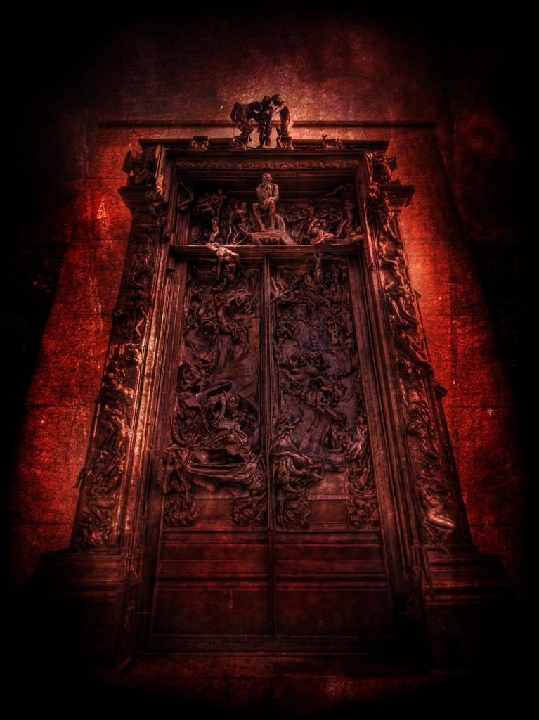 Cuentos de terror las puertas del infierno for Puerta wallpaper hd